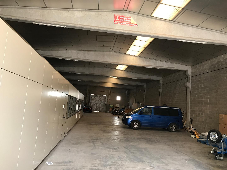 Lloguer Nau industrial  Calle pica estats, 117. Nave industrial de 746 m2, equipada con despachos. solar de la