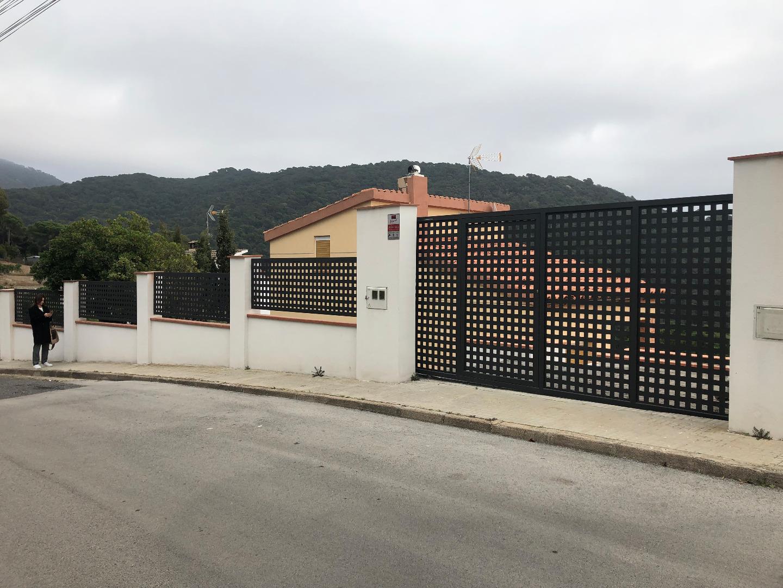 Casa  Calle ermita de l'erola, 8. Espectacular casa  de  de tres habitaciones, antiguamente una y