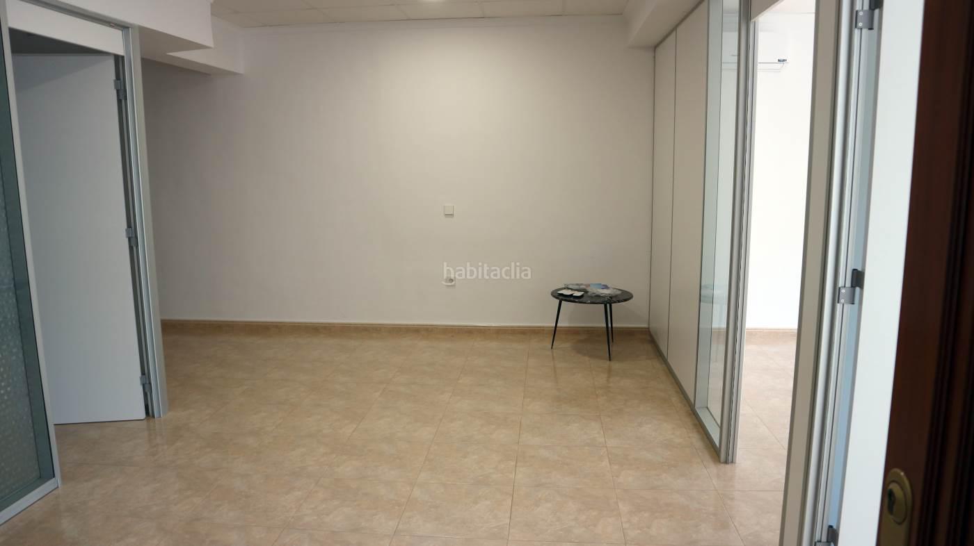 Lloguer Oficina  Dénia. Oficina con ascensor, calefacción y aire acondicionado
