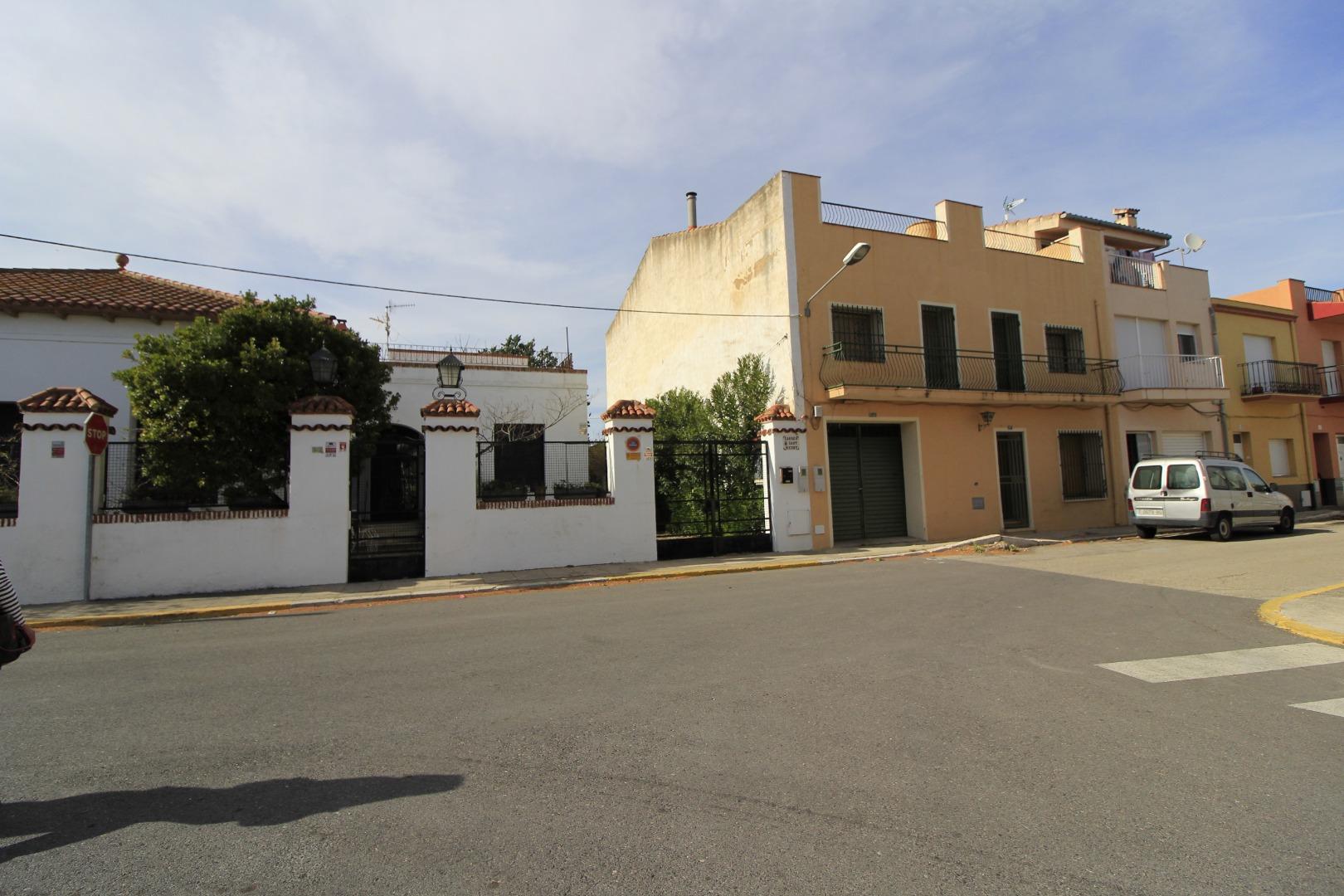 Casa  Vinaròs - casco urbano. Casa señorial en el centro de san rafael, al lado del rio, con u