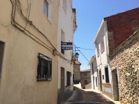 Maison à Tuéjar. Casa en venta en tuéjar (valencia) calvario