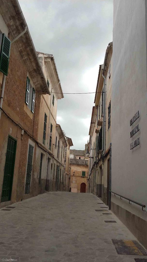 Edificio  Calle pisà, 4. Casa con garaje
