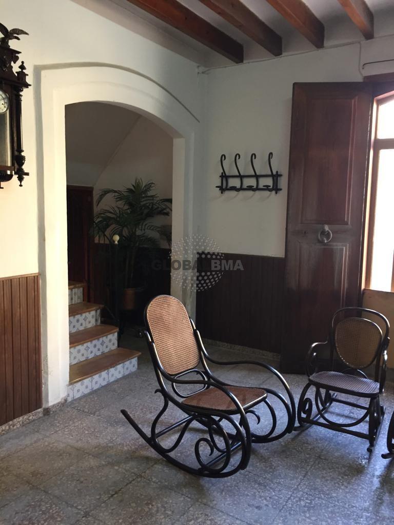 House  Andratx, zona de - andratx. Amplia casa de pueblo en andratx