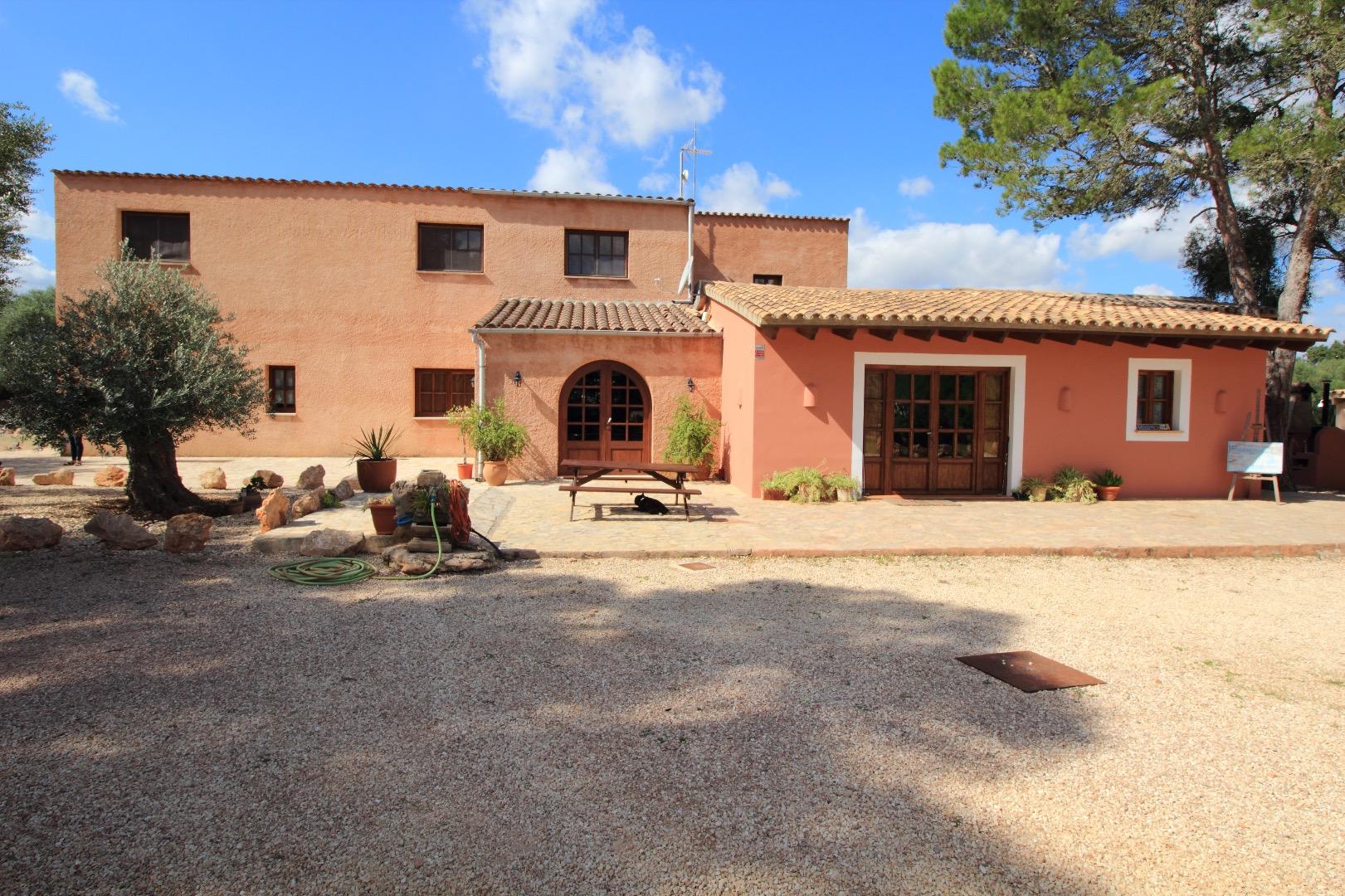 Alquiler de Temporada Casa  Camino son lluch. Espectacular villa de alto standing en una área muy privada, la