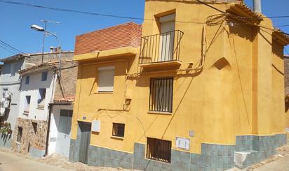 Casa adosada en venta en Cosuenda