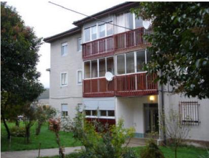 piso con 3 habitaciones en la provincia de palencia, en el municipio de guardo, en la calle borozas.