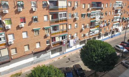 Pisos en venta en Metro Juan de la Cierva, Madrid