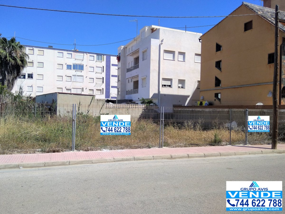 Solar urbà  Calle safor la. Solar urbano en playa de piles a 100 metros del mar mediterráneo