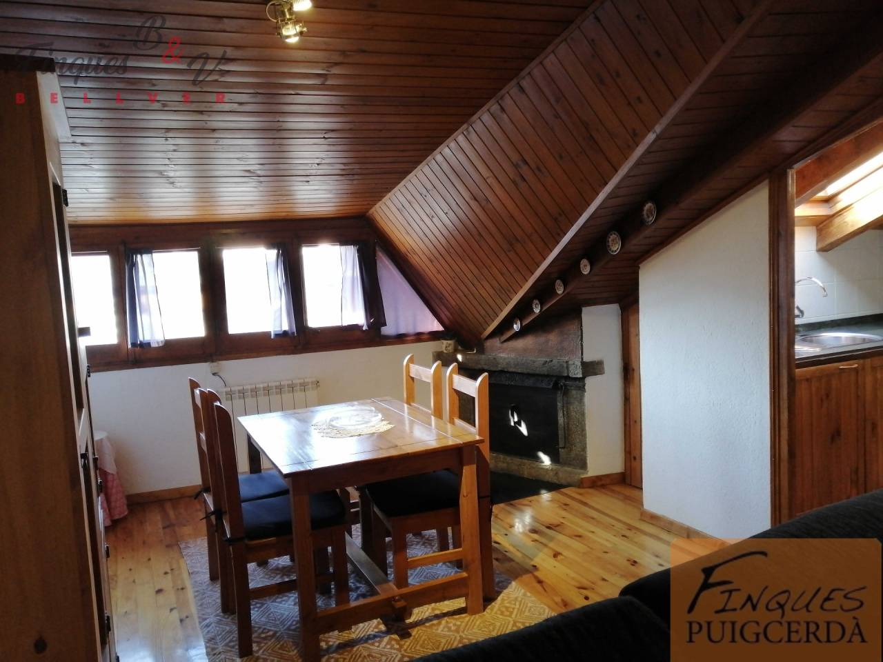 Lloguer Pis  Calle pere sicard. Altura piso 3º, piso superficie total 90 m², superficie útil 85