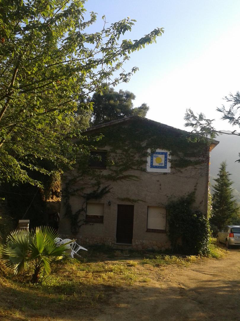 Location Maison  Carrer de montnegre. Encantadora casa de pueblo aislada en pleno corazón del parque n