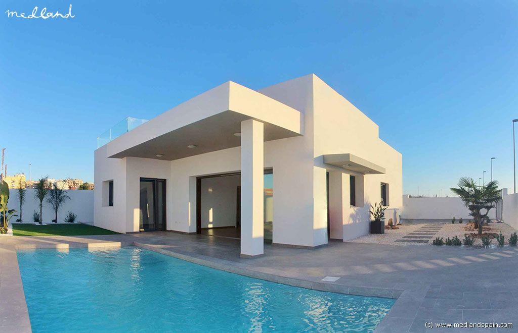 Casa en Benijófar. Chalet de 3 dormitorios con piscina privada en benijófar