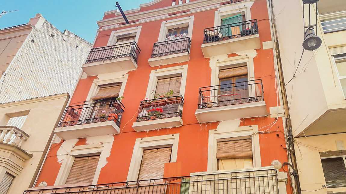 Edifici  C/ democrácia. Solvia inmobiliaria - edificio Lleida