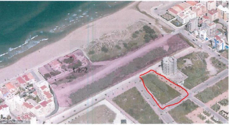 Area edificabile urbana  Calle las nieves. Se vende excelente solar en el limite de la playa de Piles y la