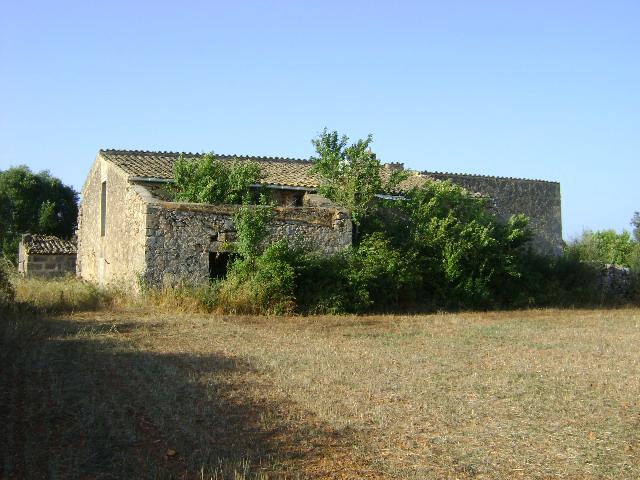 Area edificabile urbana  Zona ses maioles - Algaida. Terreno rústico con casa grande muy antigua a rehabilitar. ideal
