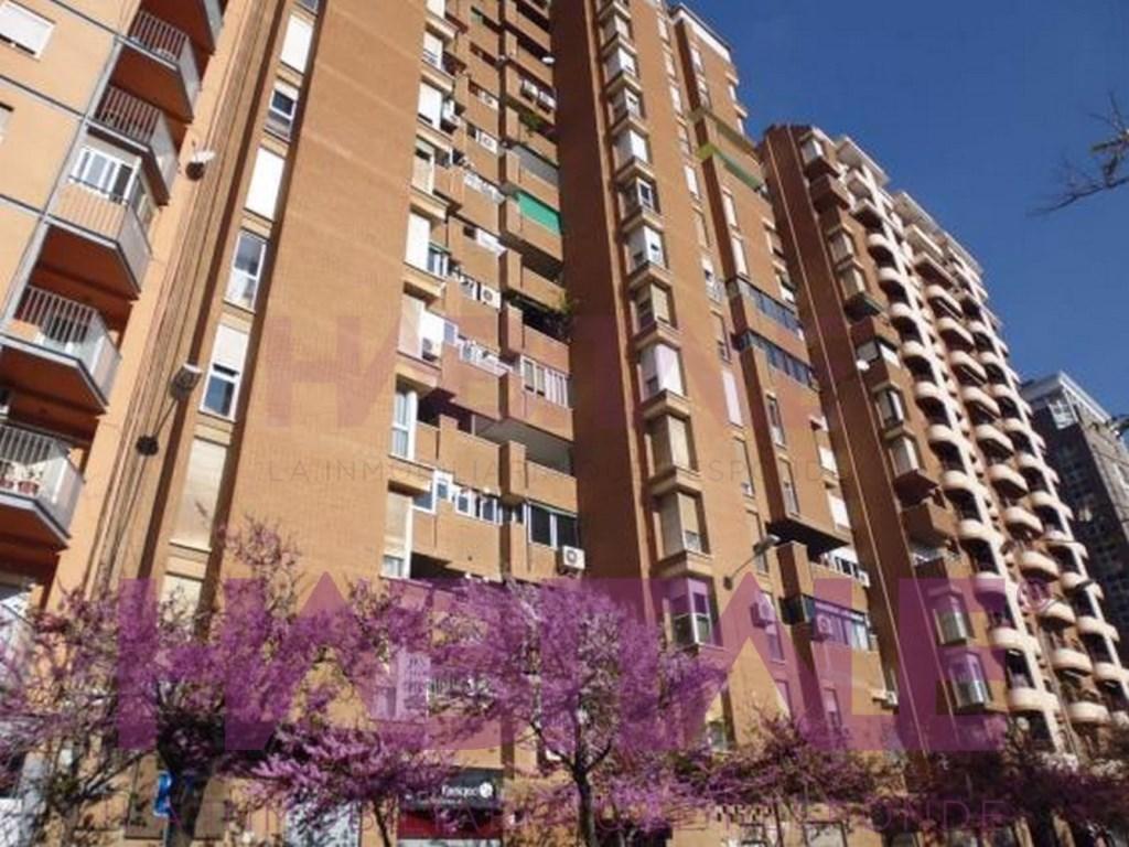 Lloguer Aparcament cotxe  Ciutat jardí, algirós, valencia, valencia, españa. Plaza de garaje en alquiler junto a av. blasco ibañez 135,