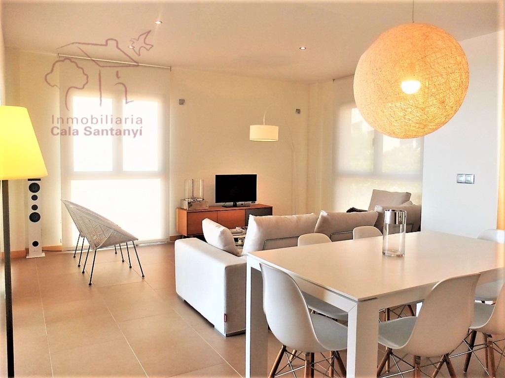 Lloguer Pis  Cala figuera, Santanyí, mallorca, españa. Apartamento de lujo en primera línea del mar con jardines y vari