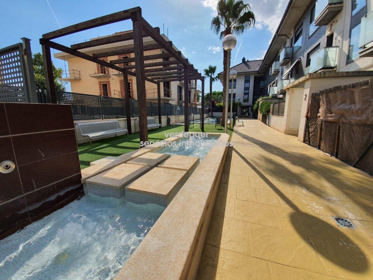 Lloguer Pis  Museros ,zona nueva. Disponible en alquiler piso de un dormitorio con piscina en muse