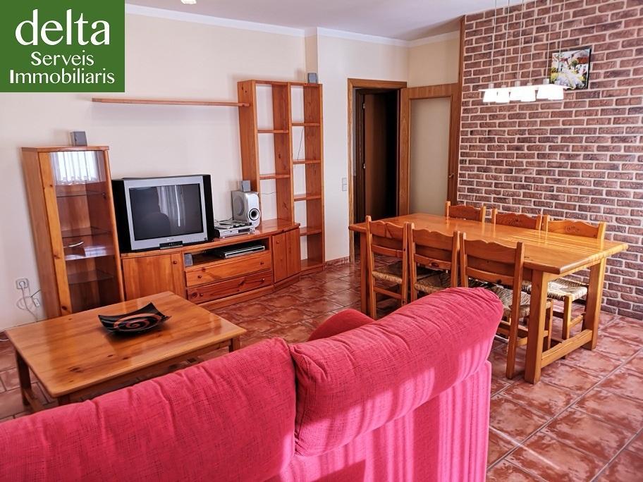 Alquiler Piso en Deltebre. Amplio piso amueblado de 4 habitaciones en alquiler en deltebre.