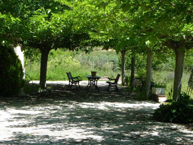 Casa  Montblanc. Finca en venta, con piscina, olivos y celler, muy cerca del cent