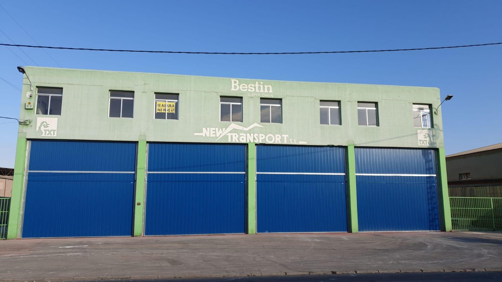 Lloguer Nau industrial  Poligono industrial calle alisios nº 89 pla vallonga. Nave de 1300 m2 con amplios muelles, facil acceso. totalmente re