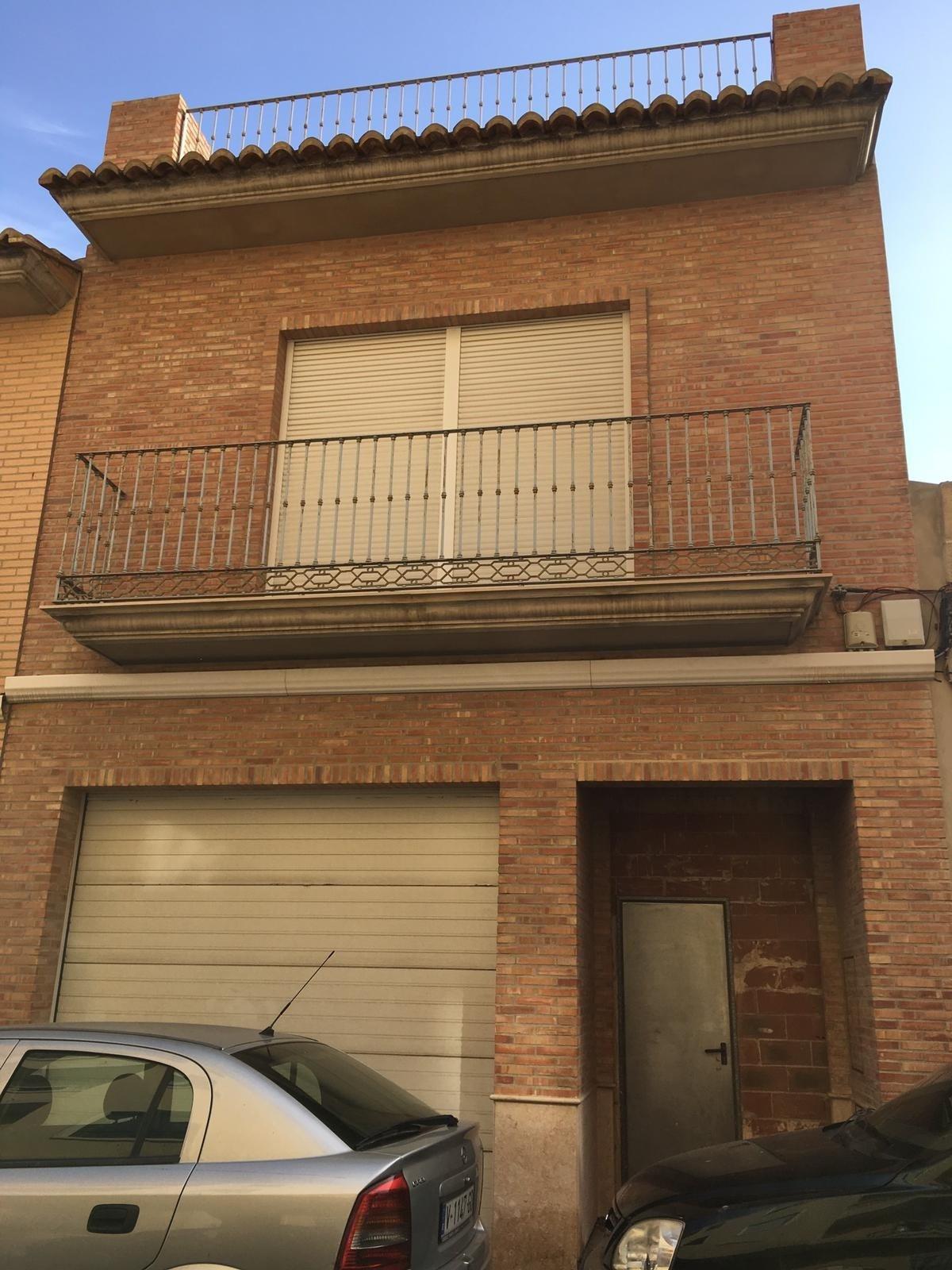 Solar urbà  Burjassot ,ctra. liria. Casa en construcción con 130 de parcela y 201 de edificacion-bur