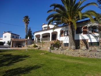 Alquiler de Temporada Casa  Calonge - calonge pueblo. Villa santet con piscina privada y un fantástico jardín, calonge