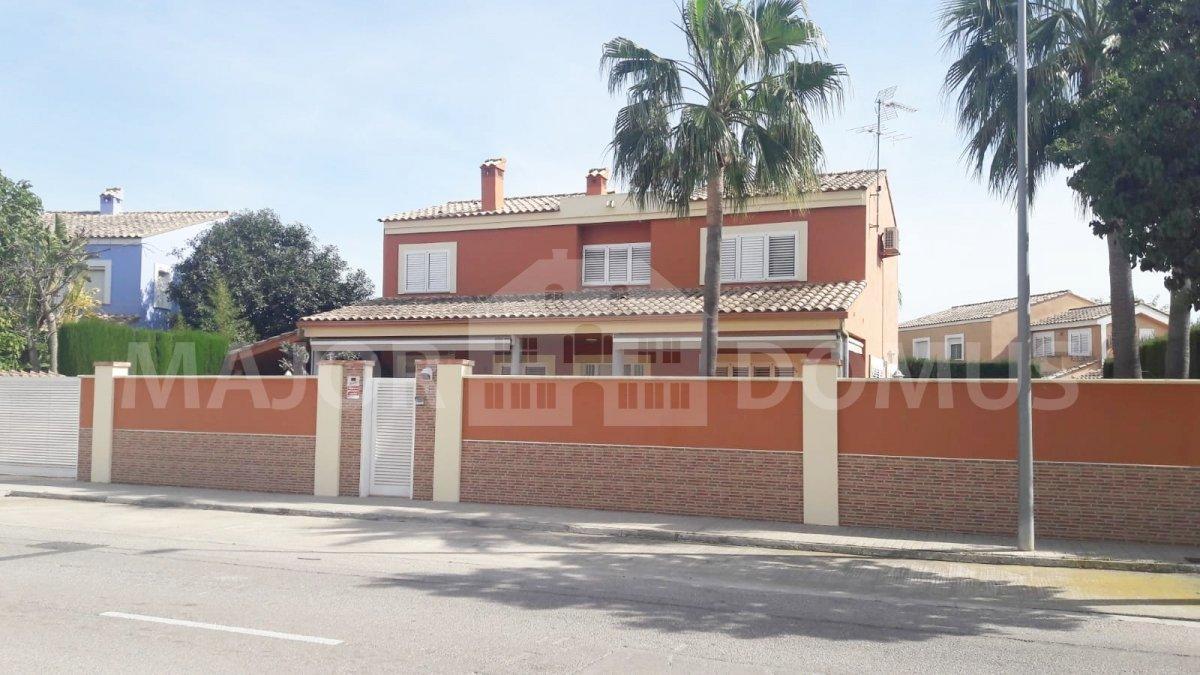 Affitto Casa  Calle jaen. Chalet disponible en venta o alquiler en calle jaén - riba-roja