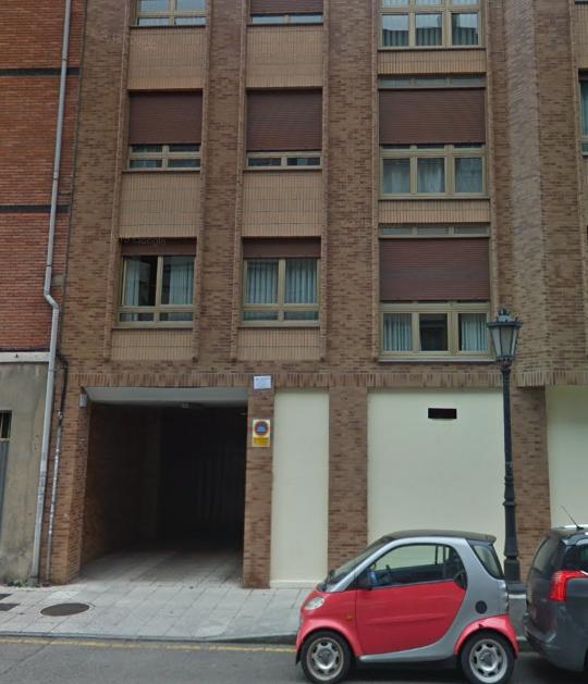 Magatzem  Calle celestino álvarez, 2. Se vende plaza de garaje y trastero en calle jose ramón tolivar