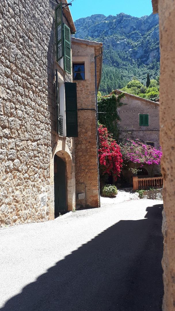 Casa  Tramuntana, zona de - deià. Fantastica casa en el pueblo de deia de 2 alturas con paisajes e