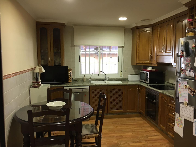 Lloguer Casa  Perleta, tres plantas, piscina, garaje, terraza, 3 habitaciones,. Perleta, tres plantas, piscina, garaje, terraza, 3 habitaciones,