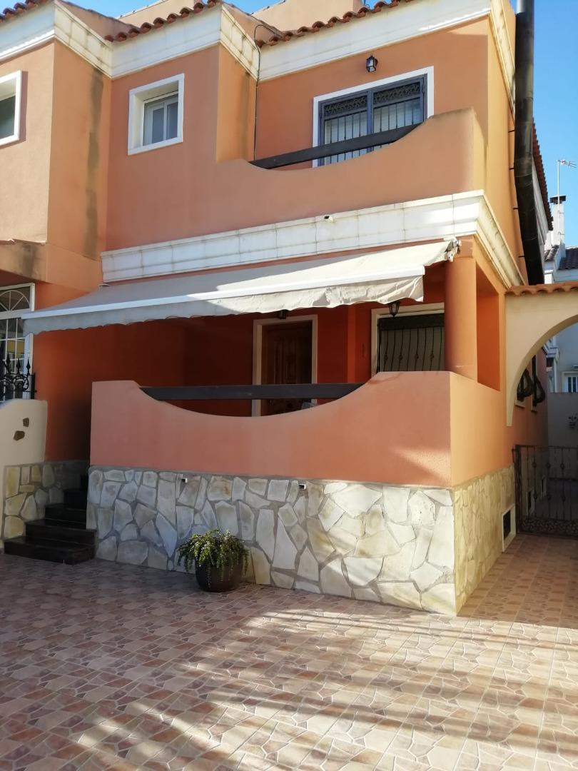 Lloguer Casa  Valverde, adosado,parcela exterior 150m2, terraza, chimenea, 3 h. Valverde, adosado,parcela exterior 150m2, terraza, chimenea, 3 h