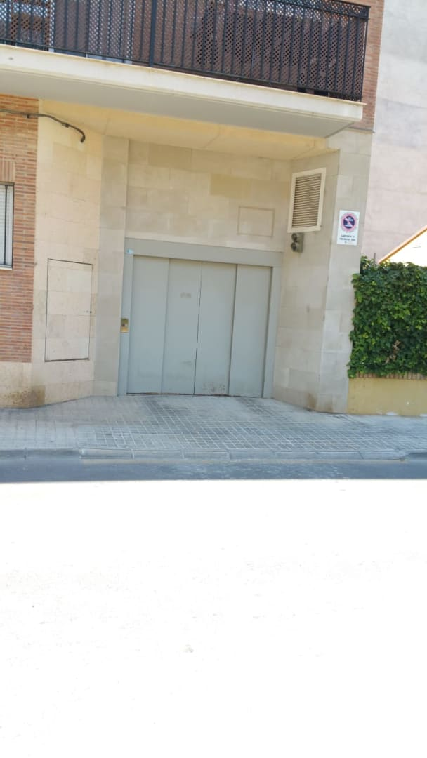 Car parking  Hermanos pinzon