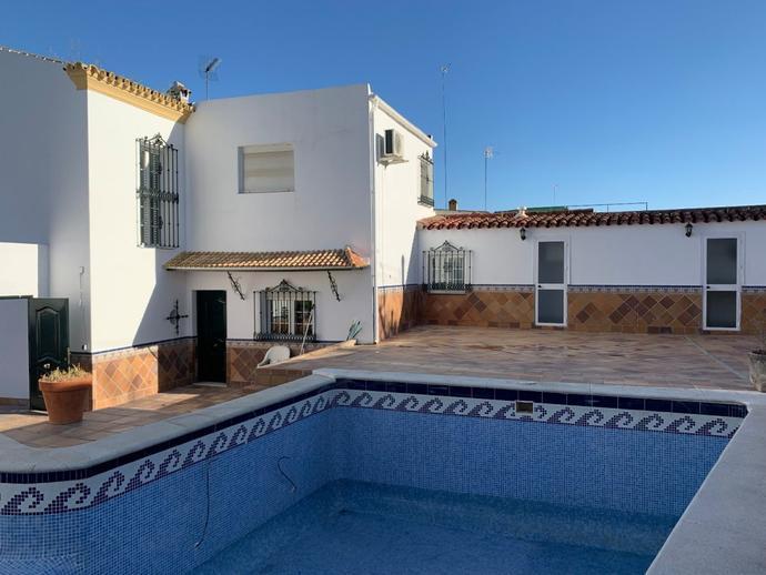 Foto 1 de Casa o chalet de alquiler en Camas, Sevilla
