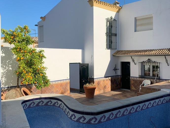 Foto 2 de Casa o chalet de alquiler en Camas, Sevilla