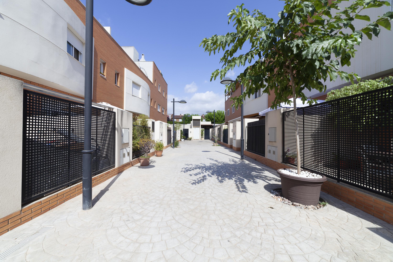 Casa  Avenida de las cortes valencianas. Precioso adosado en venta en calle del barranc, tavernes blanque