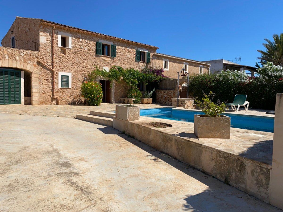 Location Maison  Felanitx ,s´horta. Chalet en alquiler con piscina 5 habitaciones y 3 baños