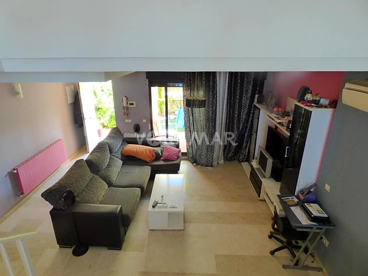 Appartement  Calle gran canaria. Bonito adosado en la playa de puig.superficie  290 m2 distribuid