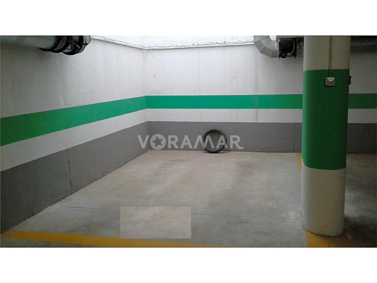 Parking voiture  Paseo sierra de espadán. Superficie total 5, garaje superficie útil 4.5, estado conservac