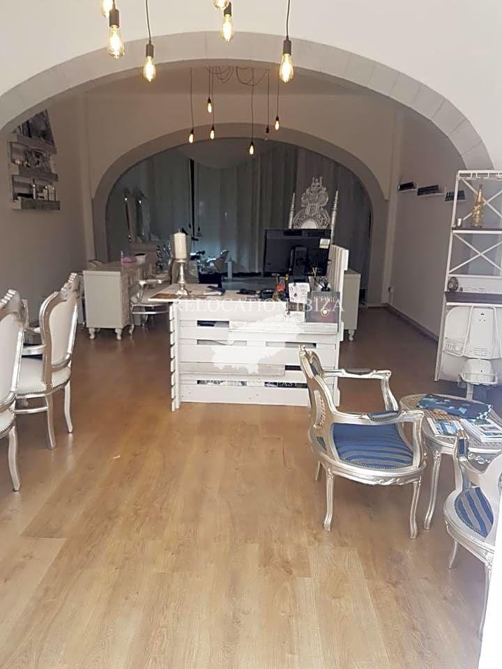 Trapasso Locale commerciale in Santa Eulària des Riu. Traspaso centro estetico  se traspasa centro estético especial