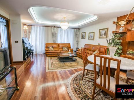 Duplex for sale with heating at España