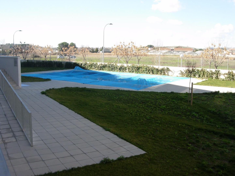 Piso  Calle albert porqueres, 7. Vendo planta baja con piscina comunitaria y plaza de parquing