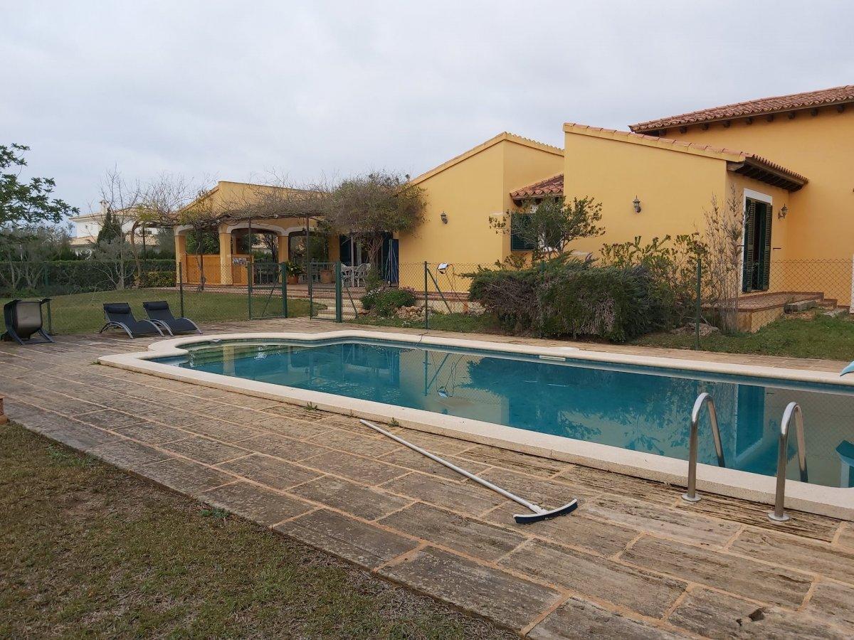 Casa  Marratxí ,sa planera. Chalet unifamiliar con piscina en urbanización