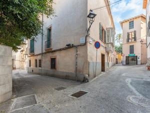 Plantas bajas en venta Parking en España