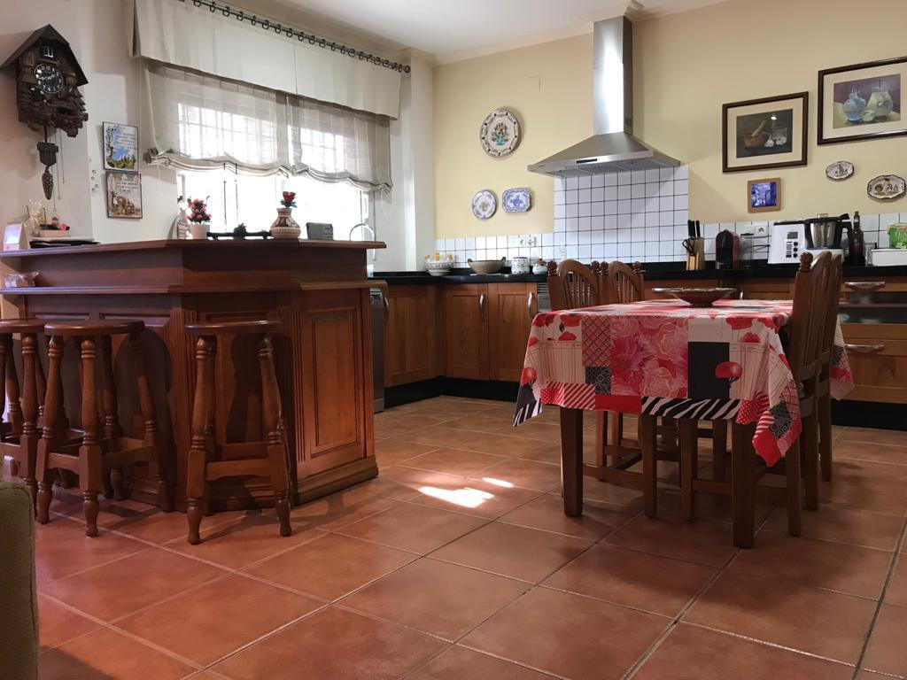 Affitto Casa in Campo Alto-Club de Campo. Alquiler casa adosada en elda, planta baja, 120 m2 de casa distr
