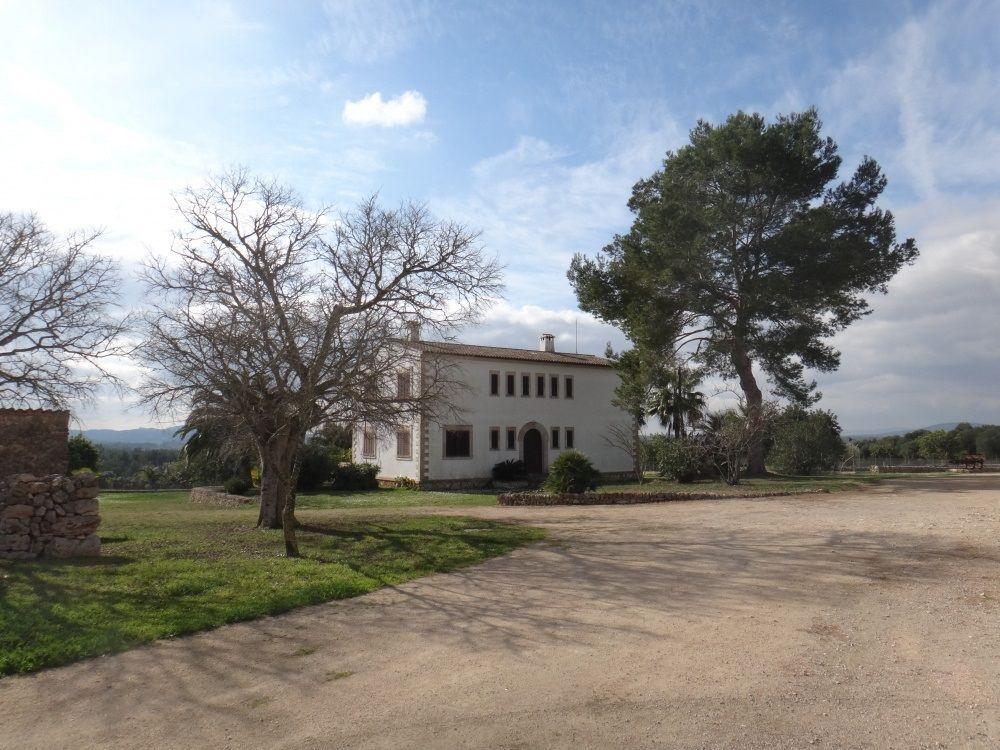 Casa en Lloret de Vista Alegre. Propiedad en venta en lloret de vistalegre, 1.230 m2, 12 dormito
