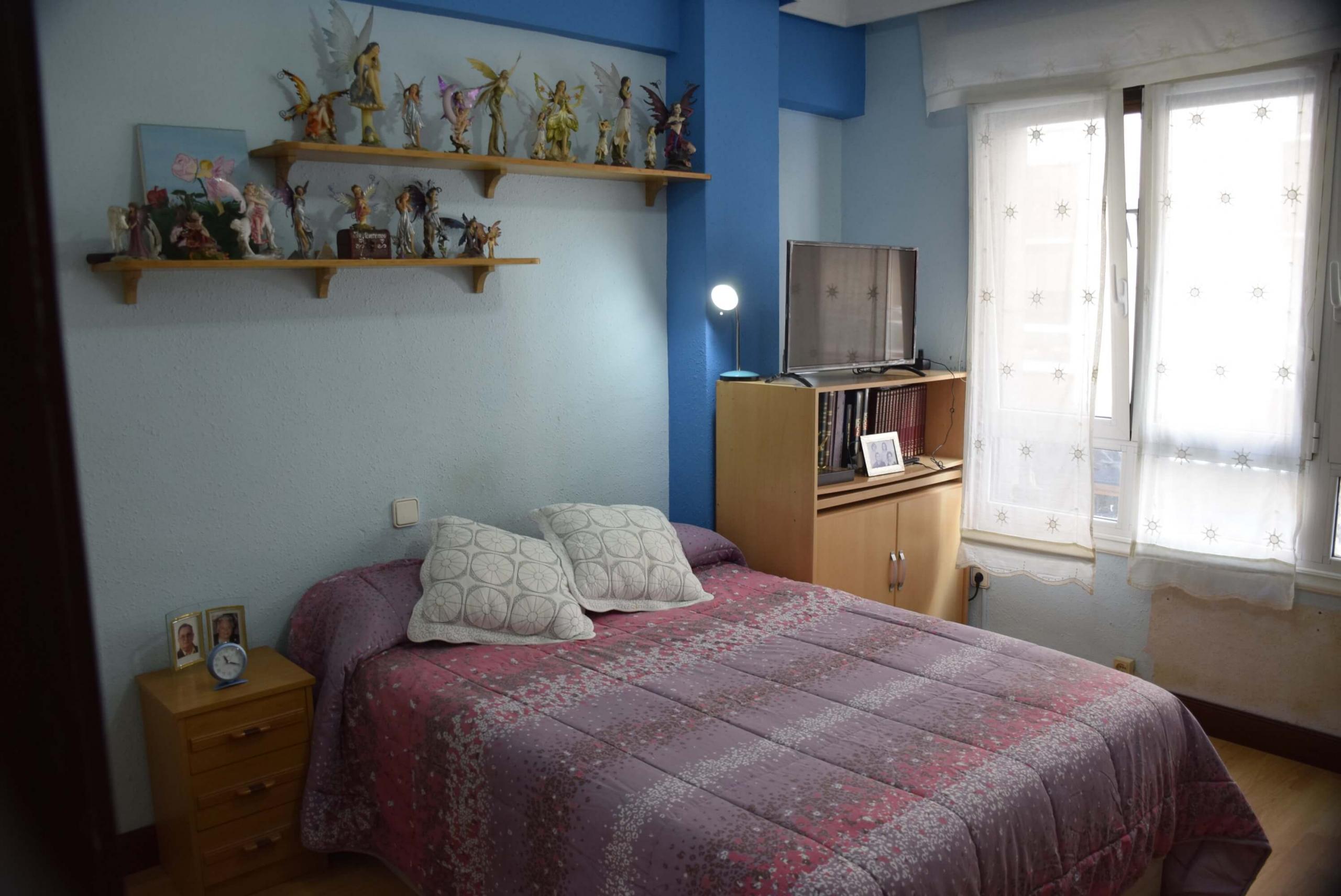 Piso  Calle antiguako ama, 5. Amplio inmueble de 120 m2 a la venta en ondarroa.