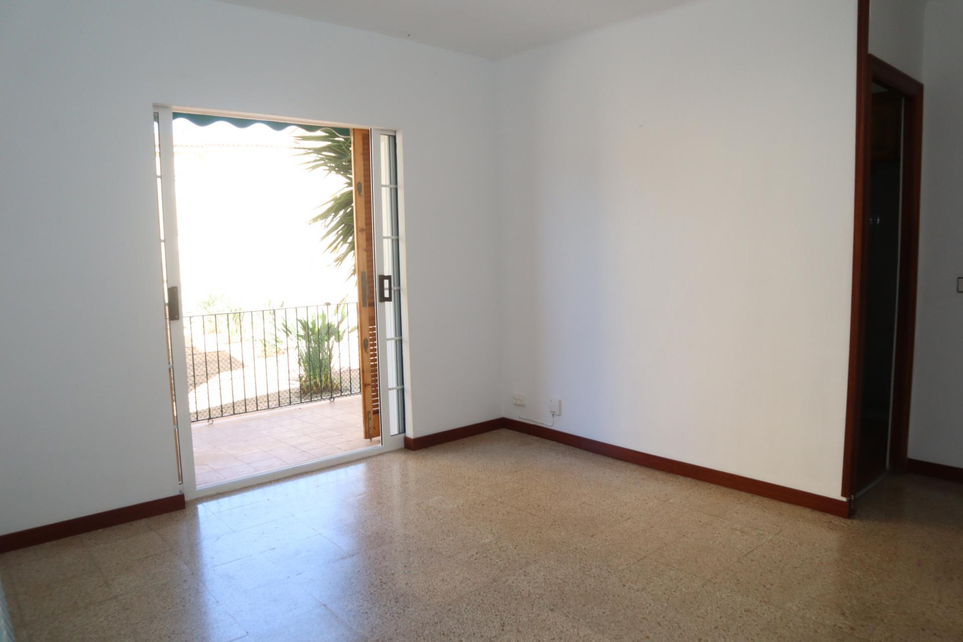 Piso en Sant Sebastià-Aiguadolç. Piso muy luminoso de 4 habitaciones
