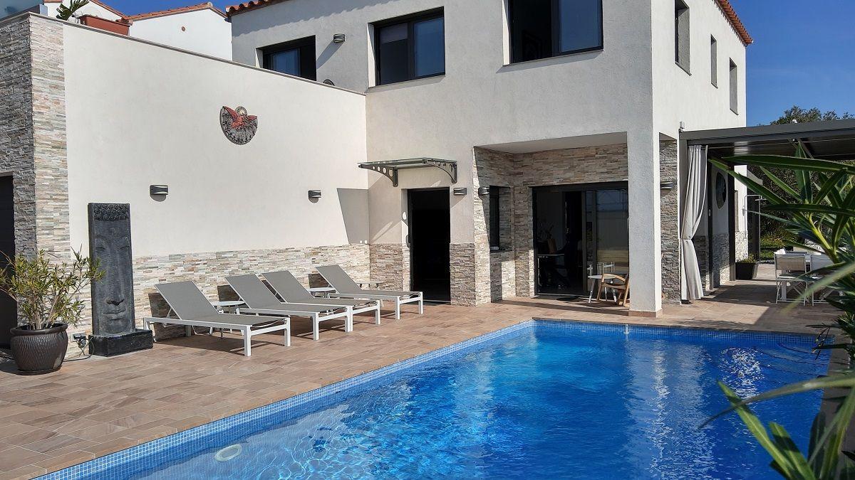 House  Calle girones. Espectacular villa contemporánea