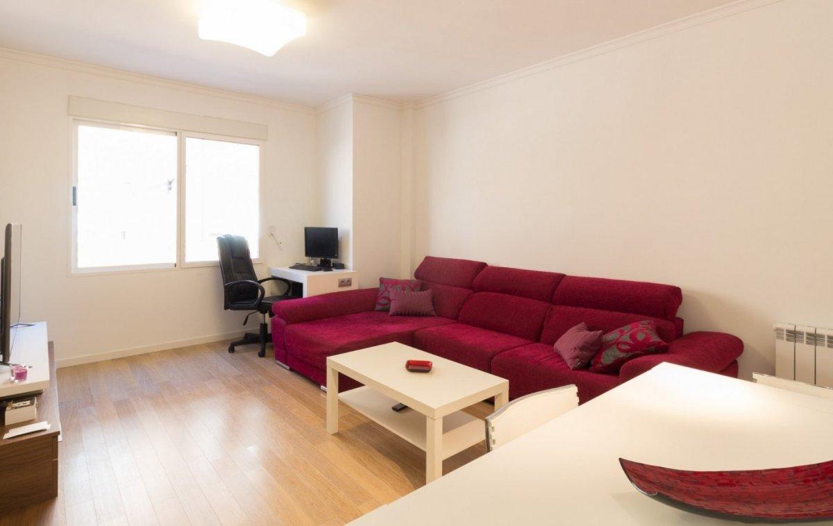 Miete Etagenwohnung  La pobla de vallbona ,casco urbano. Bonito piso seminuevo amueblado con garaje y trastero