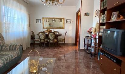 Casa adosada en venta en Fuensaldaña